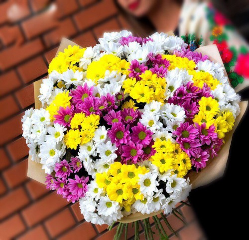 Букет из 31 хризантемы