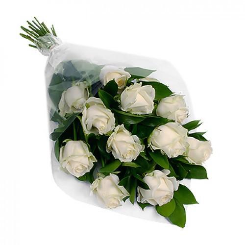 Каскадный букет из 11 роз